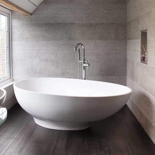 BC Designs Gio Bath 1645mm (Polished White).