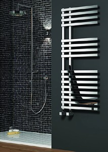 Reina Radiators Felino Towel Radiator (Chrome). 1200x500mm.