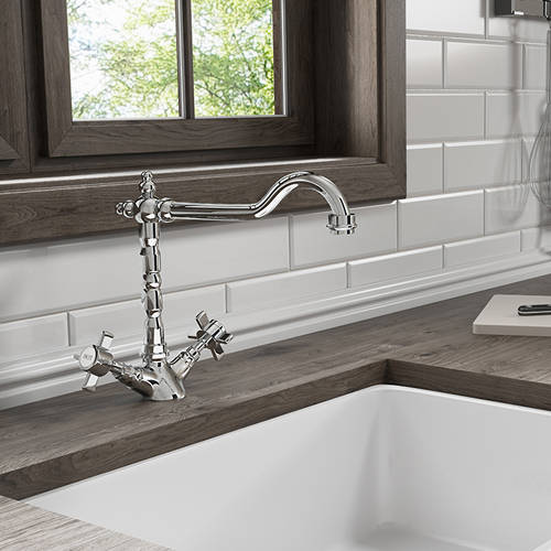 Additional image for Classic Kitchen Tap With Cross Head Handles (Chrome).